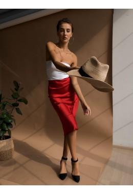 Утонченная юбка красного цвета