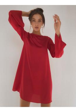 Шелковое платье красного цвета