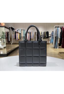 Модная черная сумочка