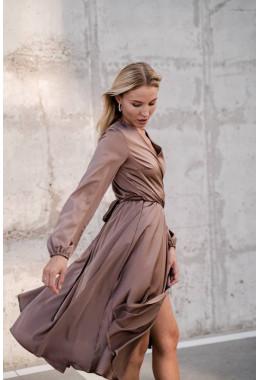 Шелковое платье на запах цвета капучино