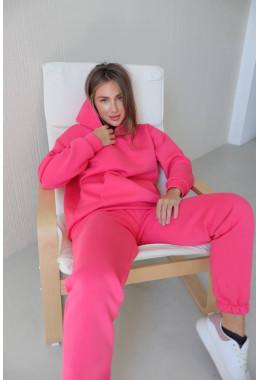 Теплый костюм розового цвета