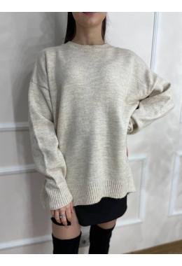 Приятный теплый свитер светло-бежевый
