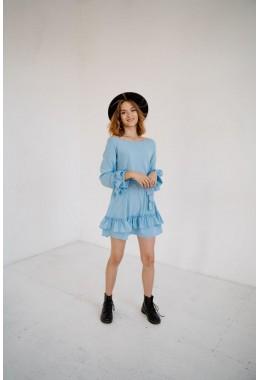 Теплое платье с рюшами голубого цвета