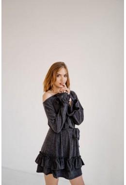 Теплое платье с рюшами и пояском