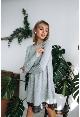 Теплое платье с кружевом серое