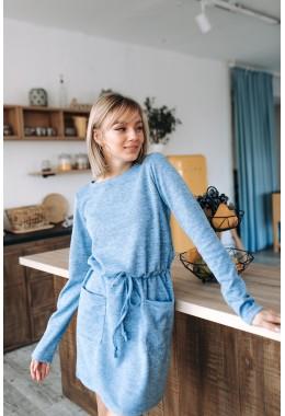 Теплое платье с карманами голубого цвета