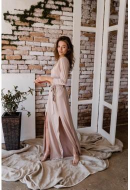 Вечернее платье с разрезами нюдового цвета