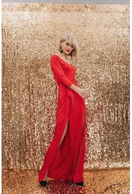 Вечернее платье с разрезами красного цвета