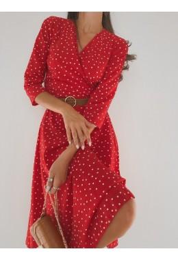 Легкое красное платье на запах