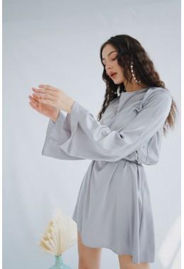 Изящное серое платье