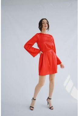 Изящное красное платье