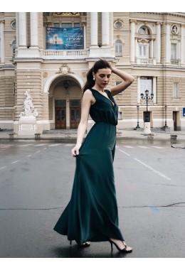 Шелковое платье в пол изумрудного цвета