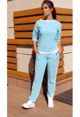 Спортивный костюм с контрастной отделкой голубого цвета