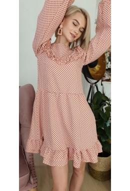 Платье с открытыми плечиками и рюшами розовое
