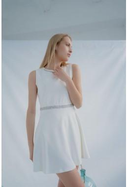 Платье со стразами молочное