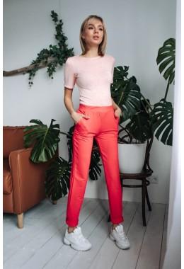 Спортивные брюки цвета коралл