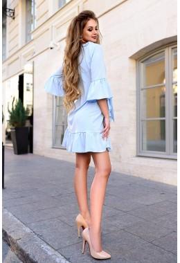 Платье с рюшами голубого цвета