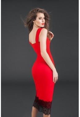 Изящное красное платье-футляр с отделкой из кружева