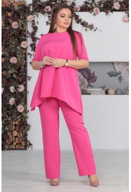 Костюм брючный с кофтой свободного кроя розового цвета