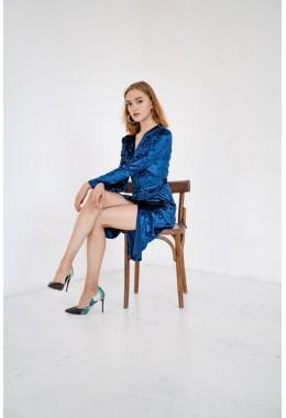 Изящное темно-синее бархатное платье на запах